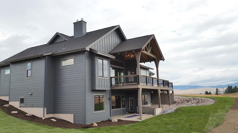 1_Extererior-of-Edgell-built-home