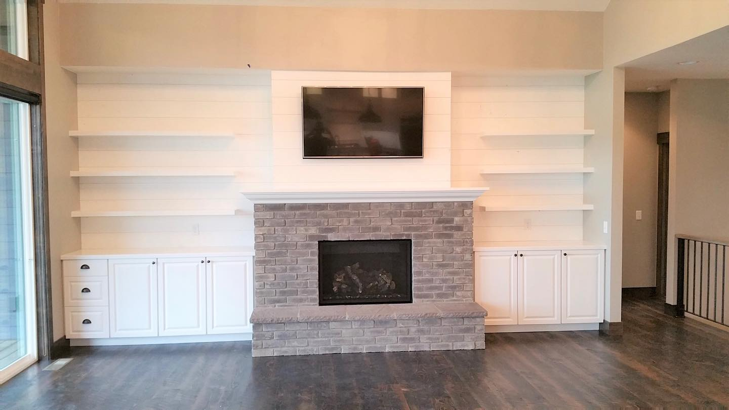 1_Fireplace-and-built-in-shelves-by-Edgell-Building