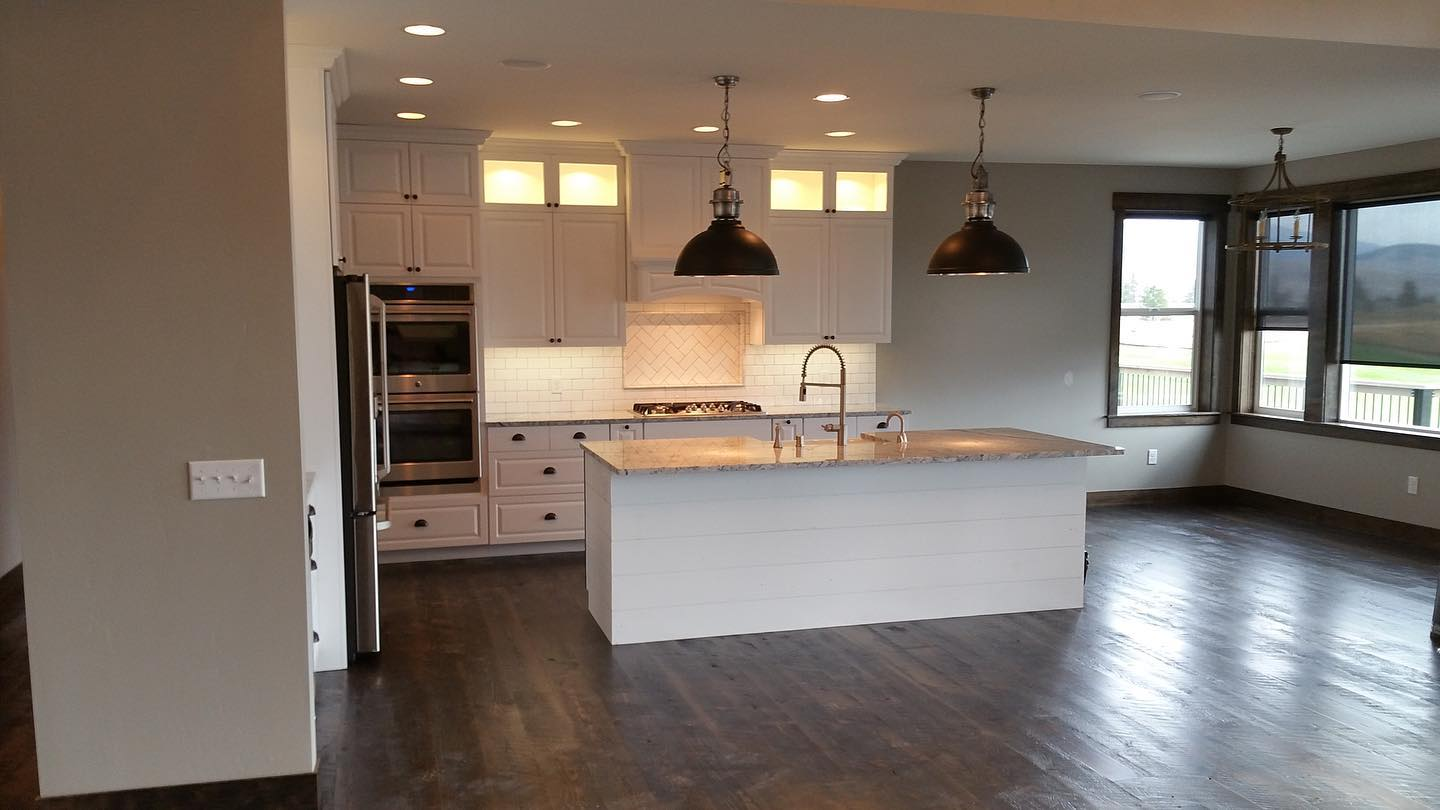 1_kitchen-in-a-custom-Edgell-home