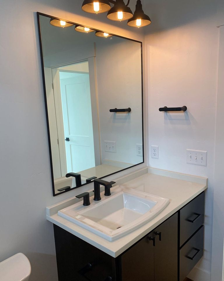 bathroom-of-Edgell-home