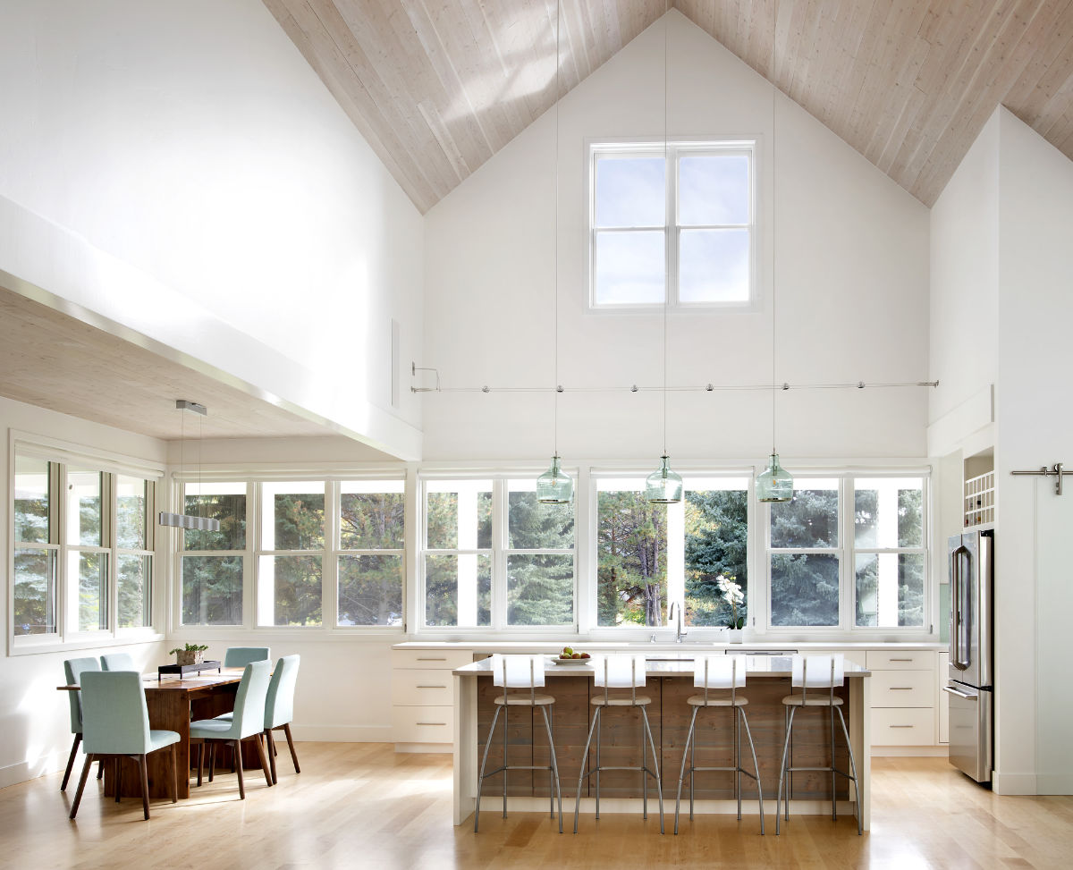 custom-kitchen-with-vaulted-ceilings
