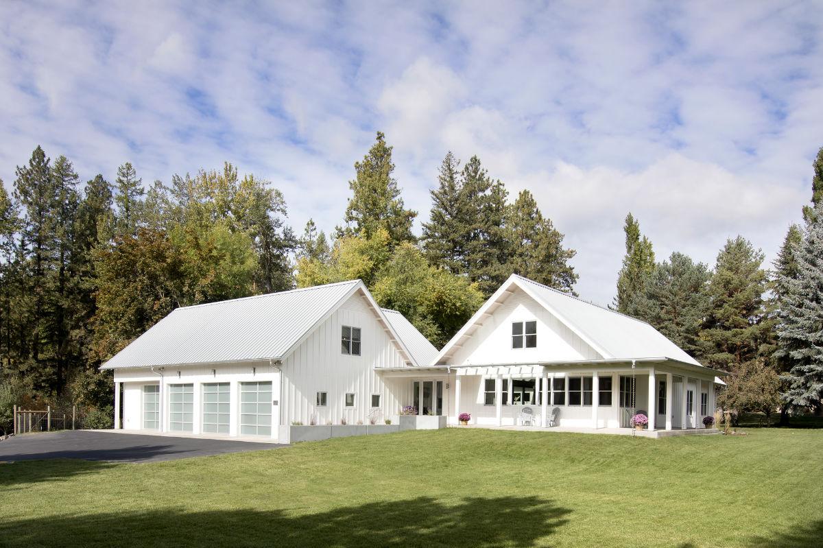 front-of-Edgell-custom-built-home