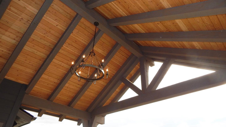 outdoor-fixture-in-covered-deck